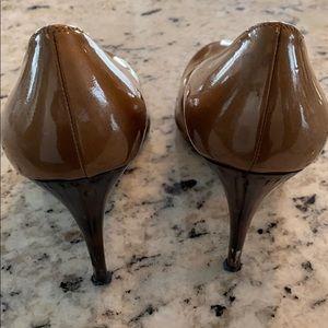 Stuart Weitzman Shoes - Stuart Weitzman brown patent leather heels